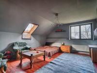 3. pokoj v patře v hlavní budově - Prodej zemědělského objektu 1409 m², Radíč
