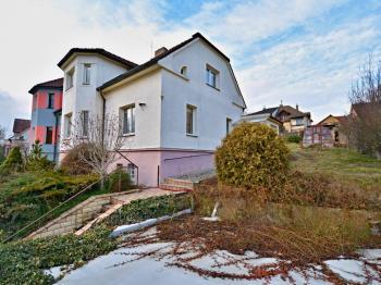 Prodej domu v osobním vlastnictví 276 m², Praha 9 - Hostavice