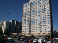 Dominantní výšková budova na Trójském vrchu, Praha 8. - Prodej bytu 2+kk v osobním vlastnictví 40 m², Praha 8 - Troja