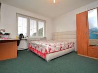 2. pokoj v patře - Prodej domu v osobním vlastnictví 250 m², Praha 10 - Uhříněves