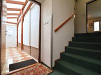Vstupní předsíň - Prodej domu v osobním vlastnictví 250 m², Praha 10 - Uhříněves