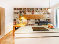 Obývací pokoj - Prodej bytu 3+kk v osobním vlastnictví 108 m², Praha 10 - Malešice