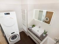 koupelna - Prodej bytu 3+kk v osobním vlastnictví 108 m², Praha 10 - Malešice
