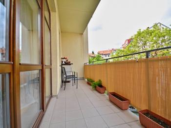 Lodžie bytu. - Prodej bytu 3+kk v osobním vlastnictví 84 m², Praha 6 - Břevnov