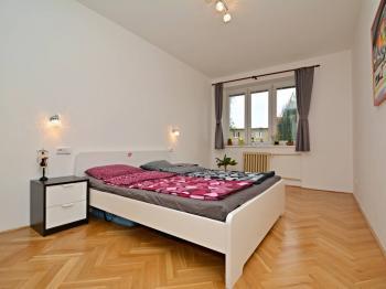 Ložnice - Prodej bytu 3+1 v osobním vlastnictví 87 m², Praha 6 - Dejvice