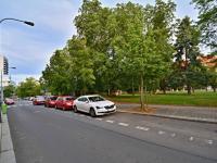 Okolí domu - Prodej bytu 3+1 v osobním vlastnictví 87 m², Praha 6 - Dejvice