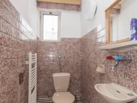 toaleta 2 patro - Prodej domu v osobním vlastnictví 430 m², Jihlava