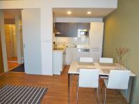 Jídelní a kuchyňský kout - Pronájem bytu 2+kk v osobním vlastnictví 52 m², Praha 9 - Vysočany