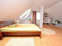 Pronájem domu v osobním vlastnictví 445 m², Nespeky
