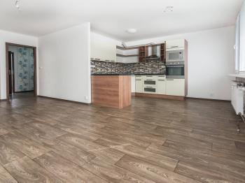 Prodej bytu 3+kk v osobním vlastnictví 69 m², Zlatníky-Hodkovice