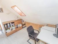 pracovna v podkroví - Prodej domu v osobním vlastnictví 182 m², Běštín
