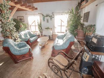 obývací pokoj - Prodej domu v osobním vlastnictví 182 m², Běštín
