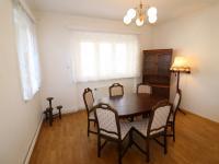 Jídelna průchozí do kuchyně. - Pronájem domu v osobním vlastnictví 250 m², Teplice