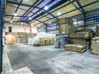 Pohled do haly  (Pronájem skladovacích prostor 1100 m², Tuchlovice)