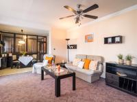 Obývací pokoj - Prodej domu v osobním vlastnictví 125 m², Nové Strašecí