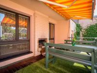 Posezení na terase - Prodej domu v osobním vlastnictví 125 m², Nové Strašecí