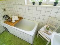 Koupelna s vanou (Prodej domu v osobním vlastnictví 127 m², Kladno)