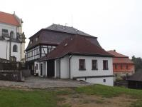 Pohled ze zahrady (Prodej hotelu 1500 m², Mikulášovice)