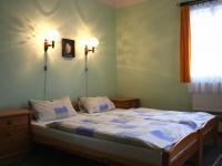 Apartmá ložnice 1 (Prodej hotelu 1500 m², Mikulášovice)