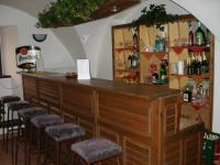 Vinárna suterén (Prodej hotelu 1500 m², Mikulášovice)