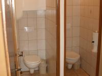 WC v suterénu (Prodej hotelu 1500 m², Mikulášovice)
