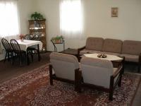 Apartmá obývací pokoj (Prodej hotelu 1500 m², Mikulášovice)
