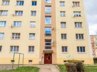 vchod do domu  - Pronájem bytu 2+1 v osobním vlastnictví 55 m², Most