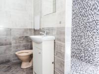 koupelna a WC - Prodej bytu 2+kk v družstevním vlastnictví 40 m², Most