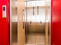 výtah - Prodej bytu 1+1 v osobním vlastnictví 35 m², Jirkov
