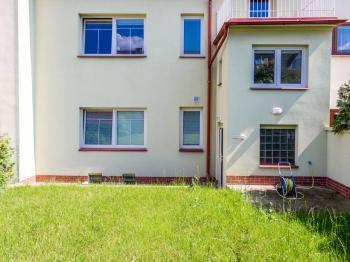 RD pohled ze zahrady - Pronájem komerčního objektu 190 m², Most