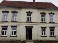 Pohled z ul.Chebská (Prodej domu v osobním vlastnictví 388 m², Skalná)