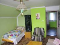 Pokoj 2 NP (Prodej domu v osobním vlastnictví 188 m², Ondřejov)