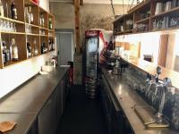 2 bary (Pronájem restaurace 450 m², Praha 9 - Kyje)