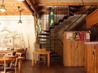 Kanceláře v podkroví (Pronájem restaurace 450 m², Praha 9 - Kyje)