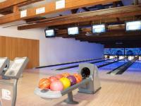 Pronájem 4 dráhy bowlingu (Pronájem restaurace 450 m², Praha 9 - Kyje)