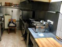 Kuchyně plně vybavená (Pronájem restaurace 450 m², Praha 9 - Kyje)