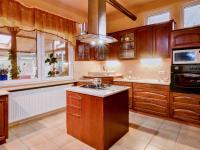 Kvalita a luxus (Prodej domu v osobním vlastnictví 274 m², Mukařov)