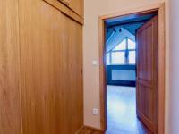 Vestavěné skříně (Prodej domu v osobním vlastnictví 274 m², Mukařov)