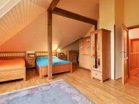 Světlý RD (Prodej domu v osobním vlastnictví 274 m², Mukařov)