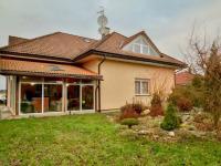 Velký rodinný dům Mukařov (Prodej domu v osobním vlastnictví 274 m², Mukařov)