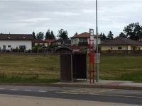 autobusová zastávka PID 3 min pěšky od domu (Prodej domu v osobním vlastnictví 186 m², Sulice)