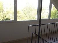 společné chodby ve velmi dobrém stavu (Prodej bytu 3+1 v osobním vlastnictví 68 m², Praha 9 - Střížkov)