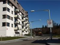 pohled na novostavbu bytového domu v blízkosti metra (Prodej bytu 2+kk v osobním vlastnictví 41 m², Praha 9 - Hloubětín)