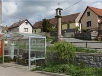 zastávka 30m od domu (Prodej domu v osobním vlastnictví 101 m², Týnec nad Sázavou)