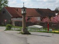 malebná obec Pecerady (Prodej domu v osobním vlastnictví 101 m², Týnec nad Sázavou)