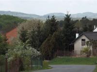 výhled z Pecerad - krásná krajina (Prodej domu v osobním vlastnictví 101 m², Týnec nad Sázavou)