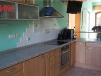 čast kuchyně (Prodej domu v osobním vlastnictví 294 m², Kamenice)