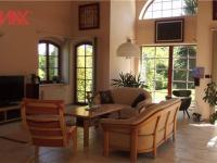 velký obývací prostor 44m2 (Prodej domu v osobním vlastnictví 294 m², Kamenice)