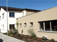 soukromá základní škola jen 150m od domu (Prodej domu v osobním vlastnictví 294 m², Kamenice)