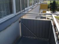 Modernizovaný balkon  (Prodej bytu 1+1 v osobním vlastnictví 44 m², Písek)